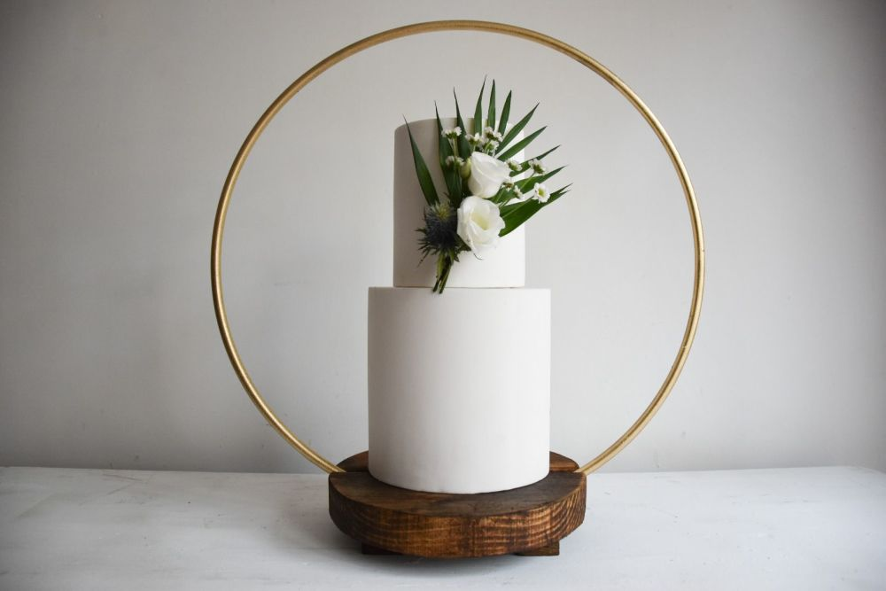 Luxury Small Hoop Cake Stand for Intimate Weddings