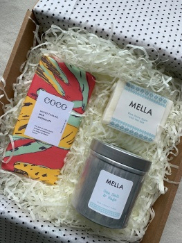 Gift Box with Mella Soap, Candle and Salted Caramel Coco Chocolate
