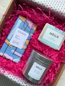 Gift Box with Mella Soap, Candle and Orange COCO Chocolate