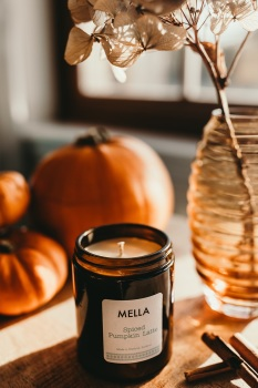 Pumpkin Spice Latte Soy Wax Candle in Small Cosy Amber Glass Jar