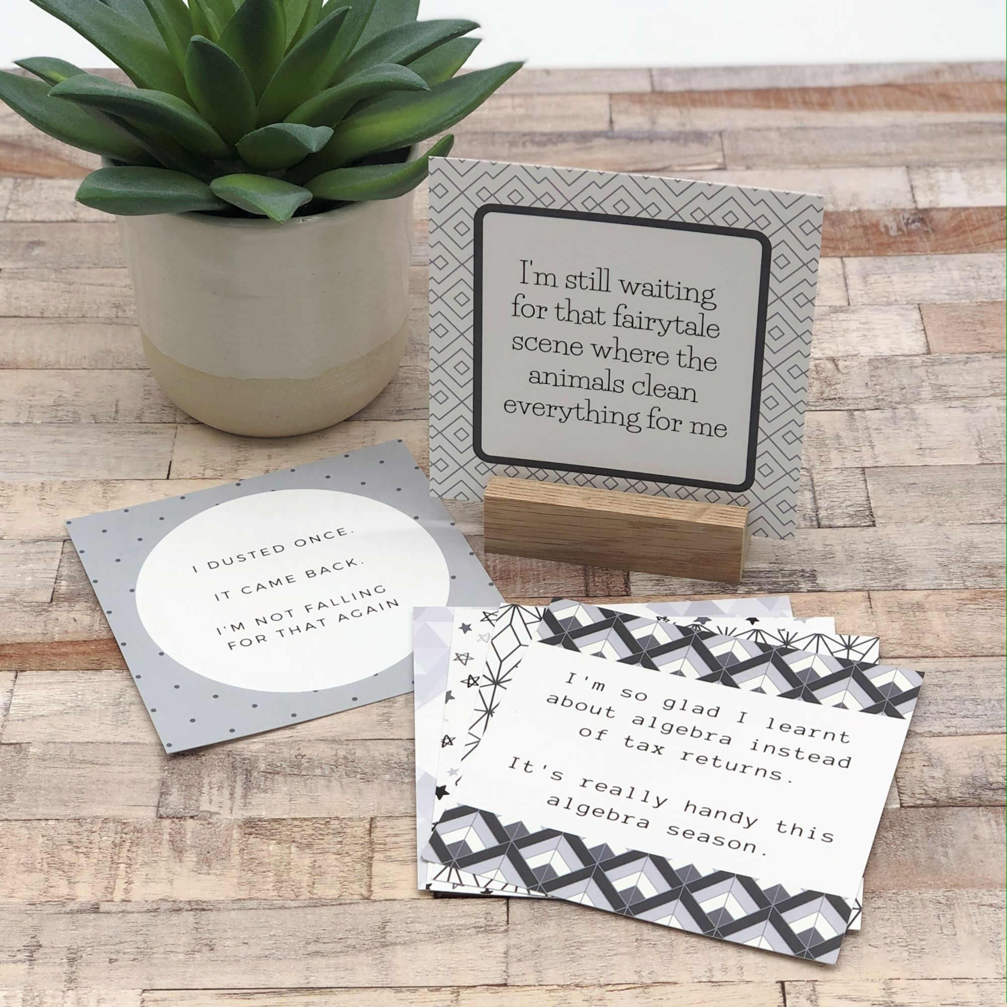 Set of 6 mini humourous note cards with oak stand