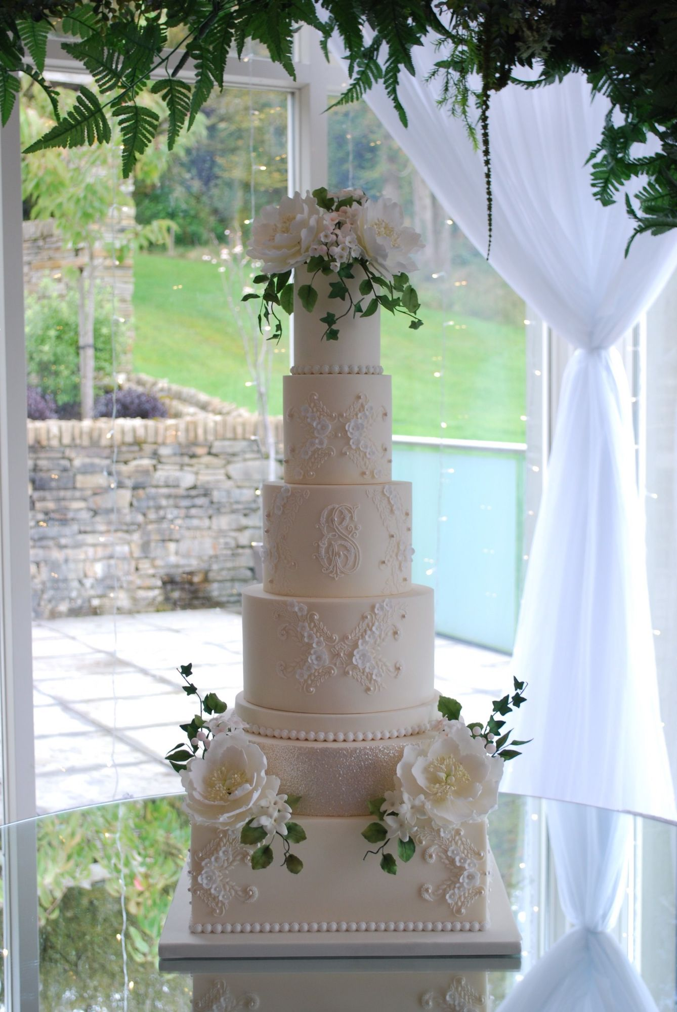 Showstopper Wedding Cakes Emma Stewart.jpeg