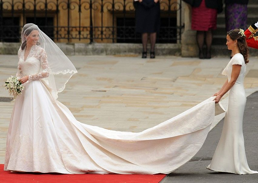 Royal-wedding-of-Kate-Middleton-with-sister-Pippa-Middleton