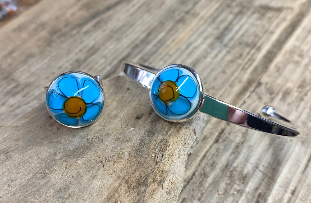 Spring flowers set, turquoise and yellow