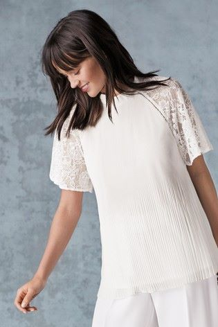 Pleat lace sleeve top