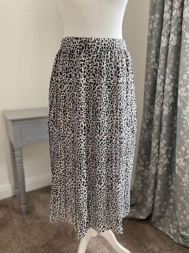 Animal Print Chiffon Pleated Midi Skirt