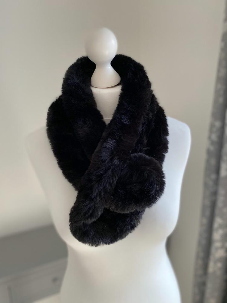 Black Faux Fur Pom-Pom Scarf