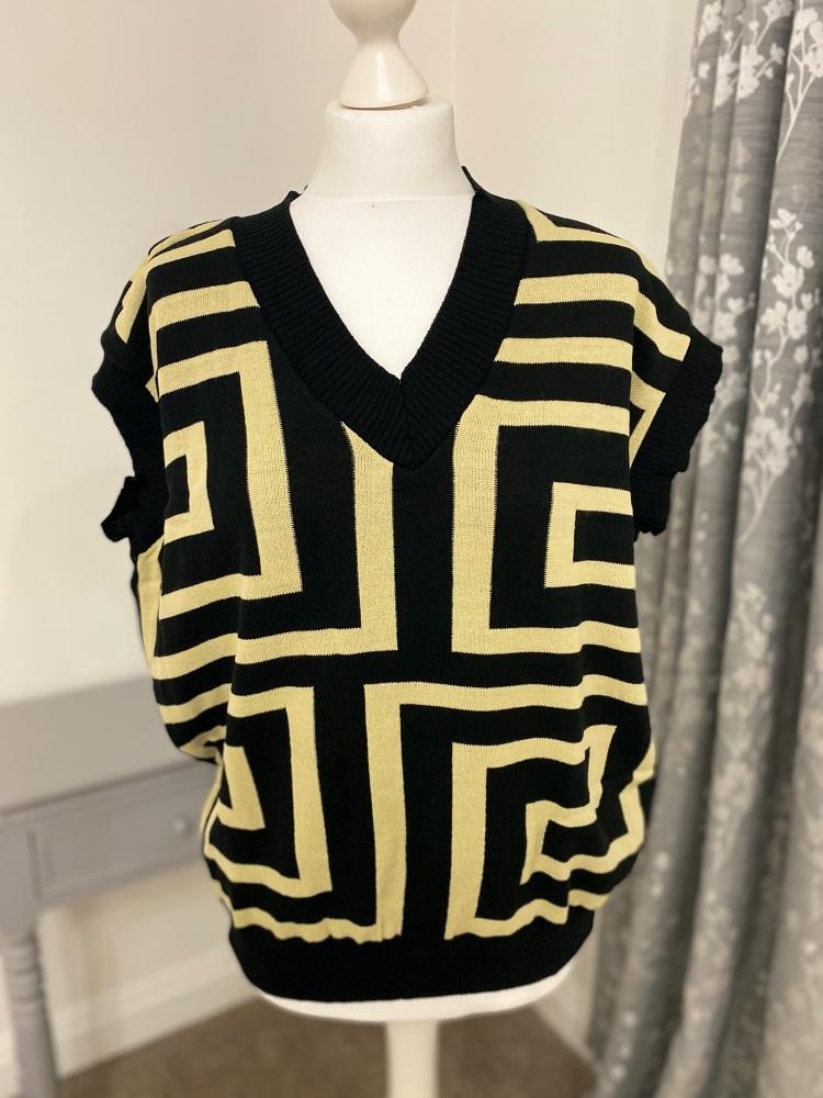 Geometric print sleeveless jumper / tank top
