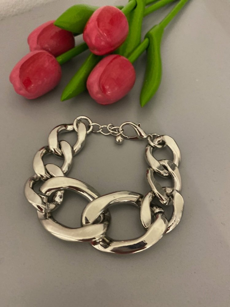 Chunky silver chain link bracelet