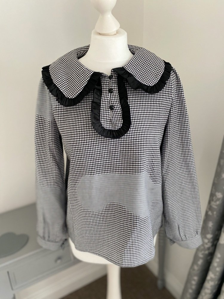 Houndstooth Statement Collar Blouse