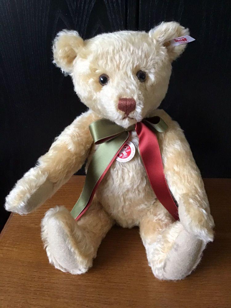 Steiff 2019 British Collectors Bear