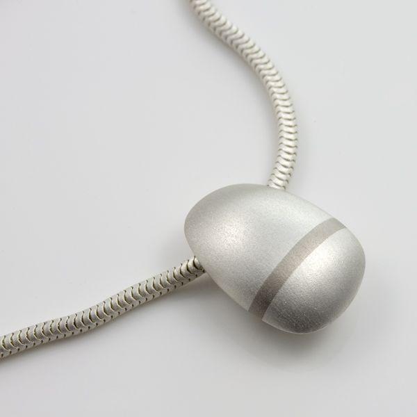 Lode short pendant