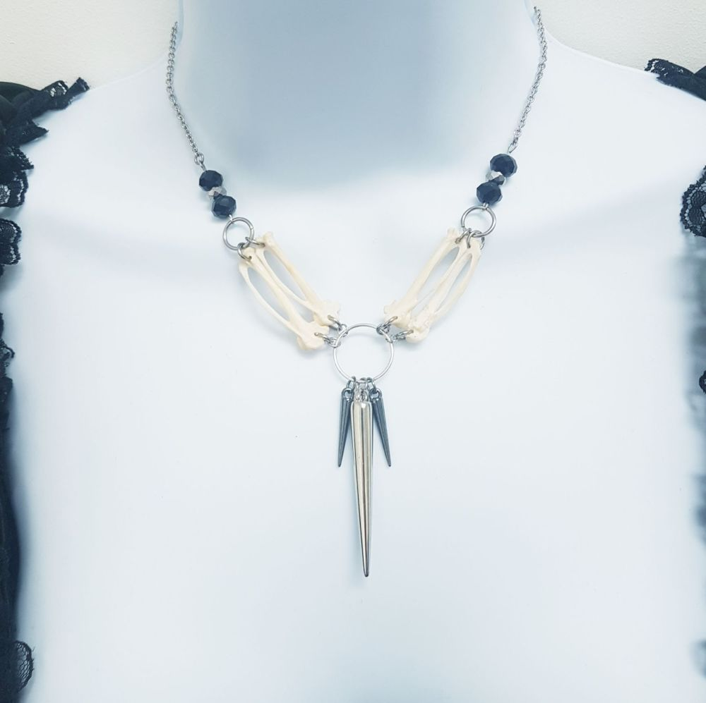 Enchanting Bird Bones Jade Necklace