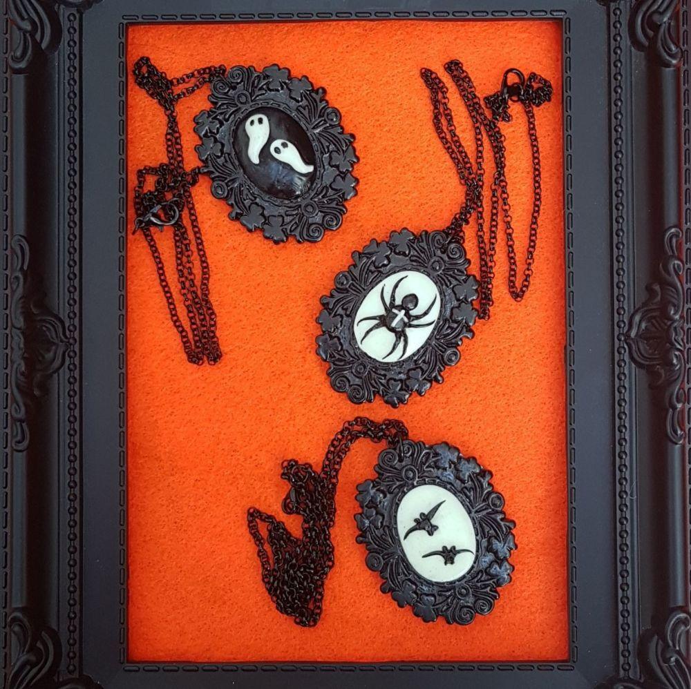 Halloween Glow In The Dark Pendant Necklace