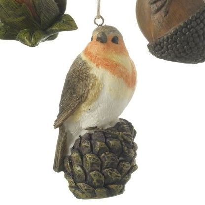 Gorgeous Robin Red Breast Bauble sitting on a Pinecone