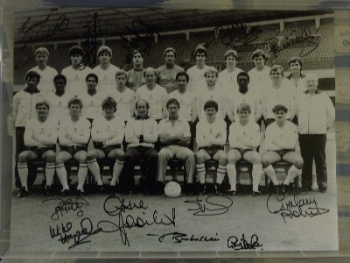Tottenham Hotspur Team Of  84 Photograph Signed by 12