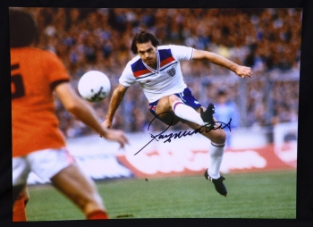 Ray Wilkins England Signed 12x16 Football Photograph