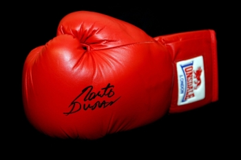 Roberto Duran Hand Signed Red Everlast Boxing Glove
