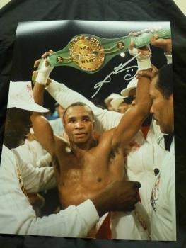 Sugar Ray Leonard Signed 12x16 Boxing Photograph