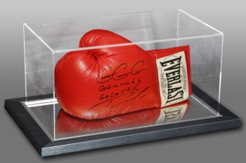 *New* Gennady Golovkin Signed Boxing Glove In An Acrylic Case: Online Authentics