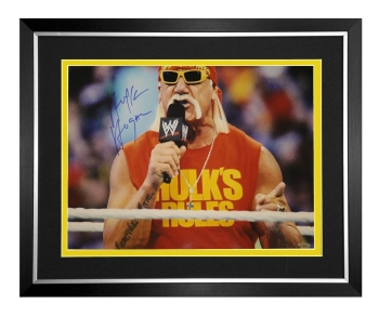 Hulk Hogan Signed And Framed 2016 Wwe Wrestling Photograph : C