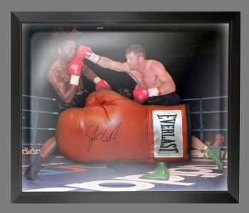 *New*  Steve Collins Signed Red Everlast Boxing Glove In A Dome Frame