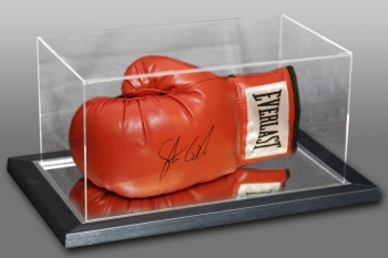 *New* Steve Collins Signed Red Everlast Boxing Glove In An Acrylic Case