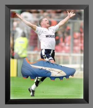Paul Gascoigne Signed Blue Puma Football Boot in an Acrylic Dome : B
