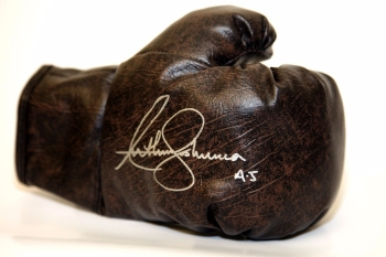 Anthony Joshua Hand Signed Retro Vintage Boxing Glove. Inscribed AJ