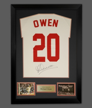 Michael Owen Signed No 20 England Football Shirt In A Frame Presentation