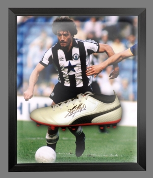 Kevin Keegan Signed Football Boot In An Acrylic Dome Frame : B