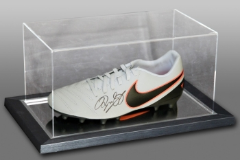 Ryan Giggs Hand Signed Nike Football Boot Presented In An Acrylic Case