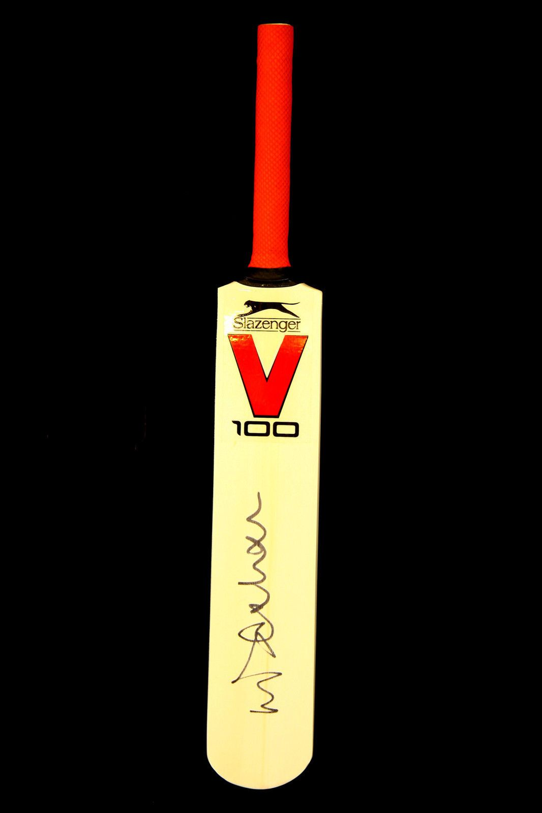 Michael Vaughan Signed Mini England Cricket Bat : A