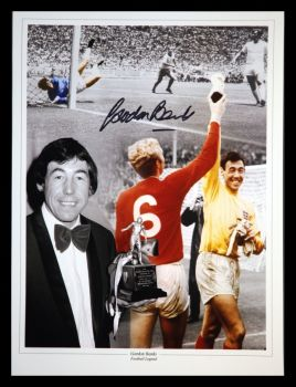 Gordon Banks Hand Signed 12x16 Football Photograph : c