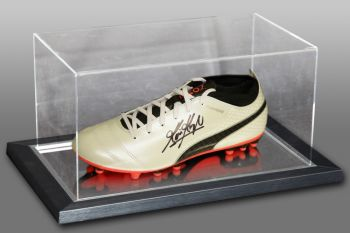 Kevin Keegan Signed Puma Football Boot Presented In An Acrylic Case