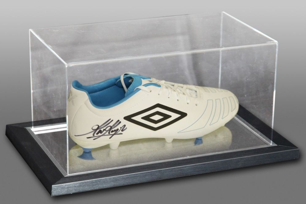 Kevin Keegan Signed Umbro Football Boot Presented In An Acrylic Case