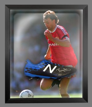 Bryan Robson Hand Signed Football Boot In An Acrylic Dome Frame : C