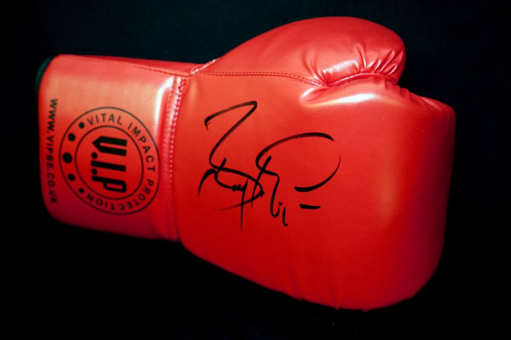 Barry McGuigan Hand Signed Red Vip Boxing Glove