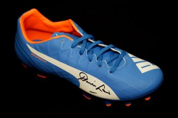 Denis Law Manchester united Hand Signed Puma Football Boot: