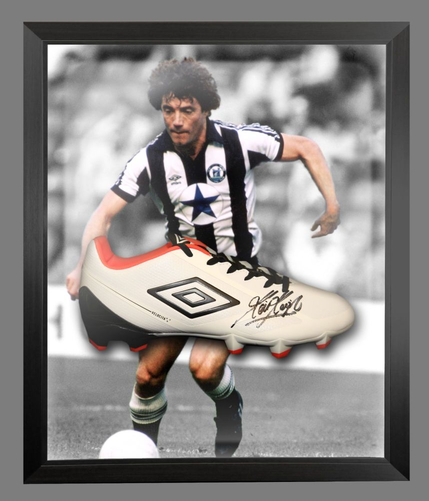Kevin Keegan Signed Football Umbro Boot In An Acrylic Dome Frame : A