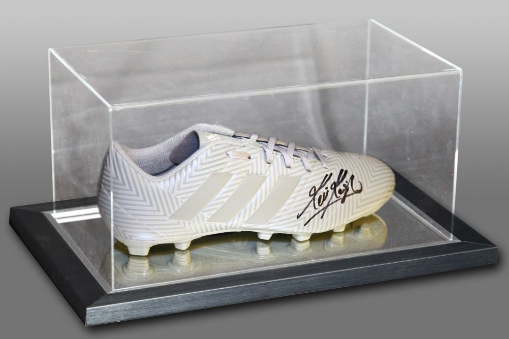 Kevin Keegan Signed Football Boot Presented In An Acrylic Case : B