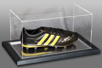 Steven Gerrard Signed Football Boot Presented In An Acrylic Case