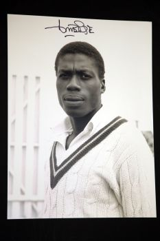 Curtly Ambrose Hand Signed Cricket 12 x16 Photograph : G