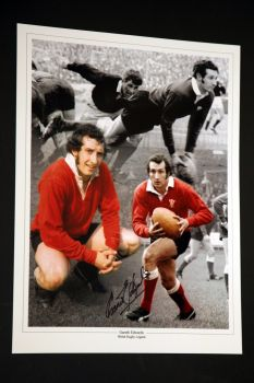 Gareth Edwards Signed wales Rugby 12x16 photograph