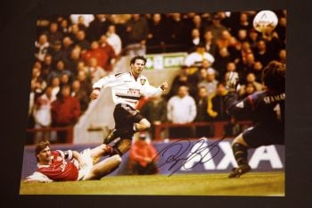Ryan Giggs Hand Signed Manchester United Football 12x16 Photograph : C