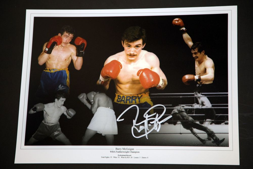 Barry McGuigan Hand Signed Boxing 12x16 Photograph : A