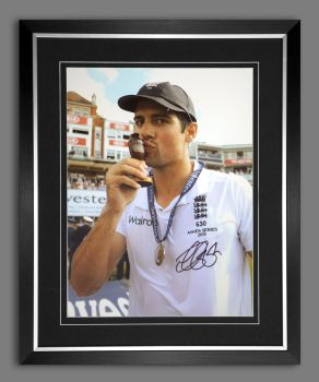 Alastair Cook Signed And Framed 12x16 Photograph : C