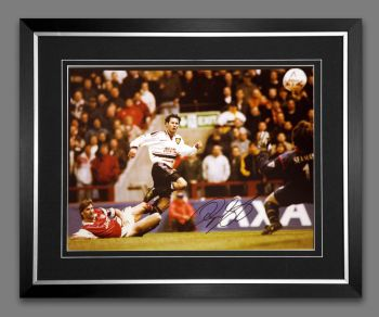 Ryan Giggs Hand Signed And Framed Manchester United Football 12x16 Photograph : B