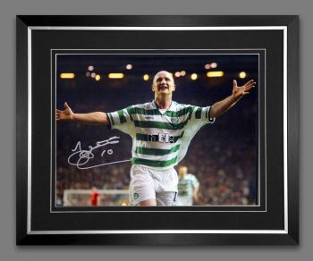 John Hartson Signed And Framed Celtic 12x16 Photograph : A