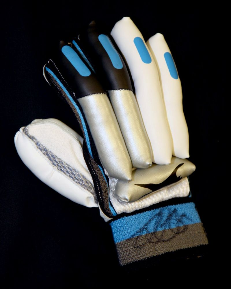Alastair Cook Signed Cricket Batting Glove